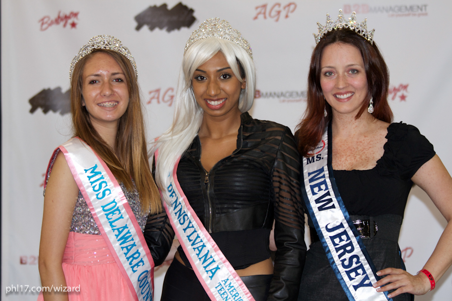 Miss Delaware, Miss Pennsylvania, Miss New Jersey at Wizard World Philadelphia 2013