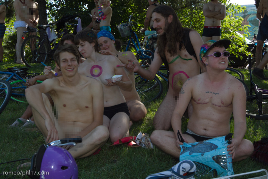 a-Philly-Naked-Bike-Race-2013-11