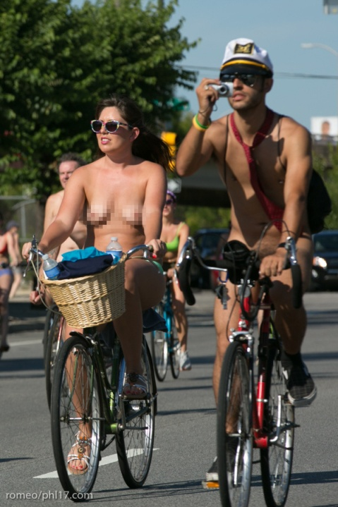 a-Philly-Naked-Bike-Race-2013-19