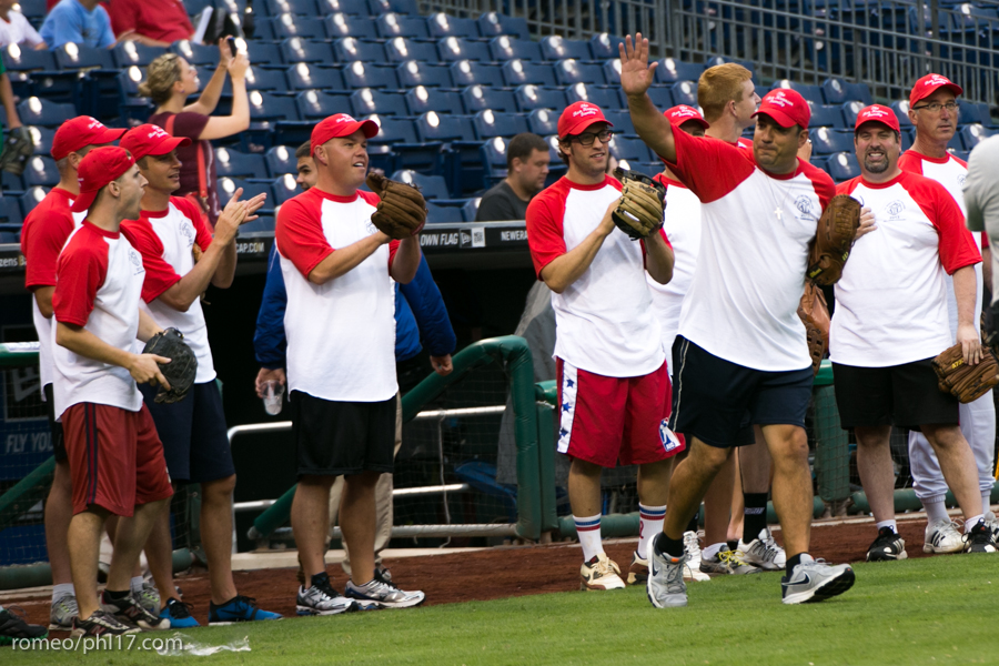 pal-phillies-media-softball-2013-10