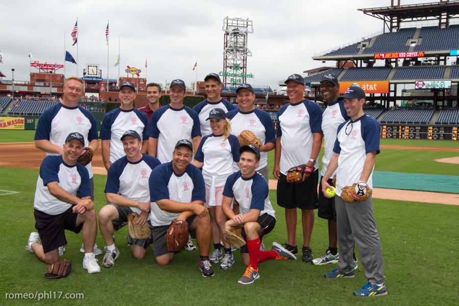 pal-phillies-media-softball-2013-4