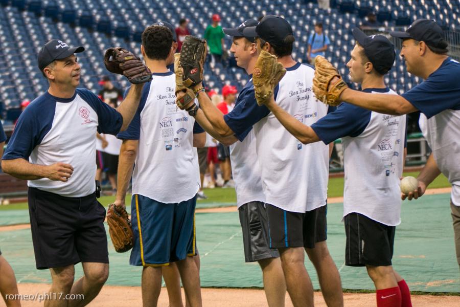 pal-phillies-media-softball-2013-8