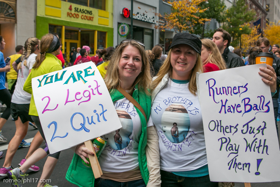 2-Philly-Marathon-Sign-Photos