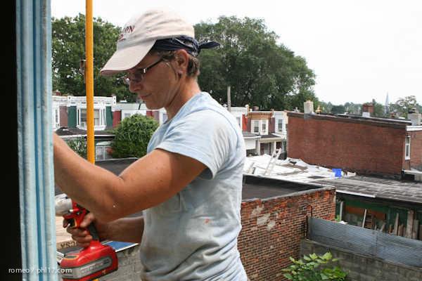 Phillies Ballgirls and Habitat for Humanity-21143116