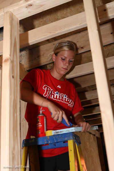 Phillies Ballgirls and Habitat for Humanity-21143124