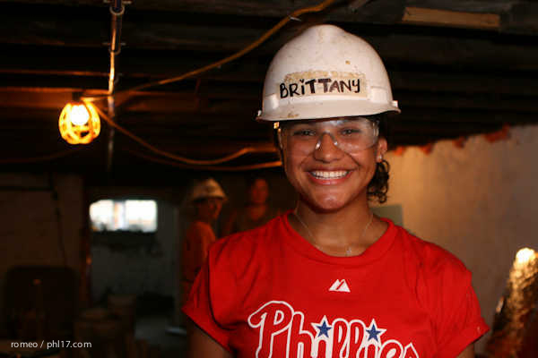 Phillies Ballgirls and Habitat for Humanity-21143126
