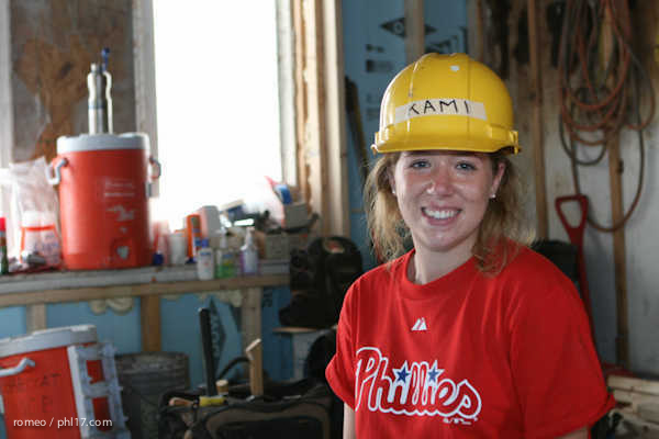 Phillies Ballgirls and Habitat for Humanity-21143143
