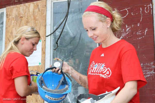 Phillies Ballgirls and Habitat for Humanity-21143447
