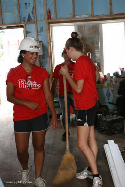 Phillies Ballgirls and Habitat for Humanity-21143456