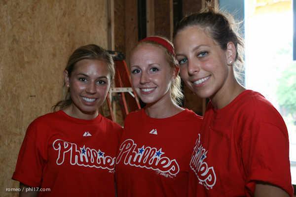Phillies Ballgirls and Habitat for Humanity-21143500