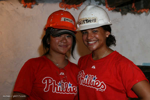 Phillies Ballgirls and Habitat for Humanity-23112249
