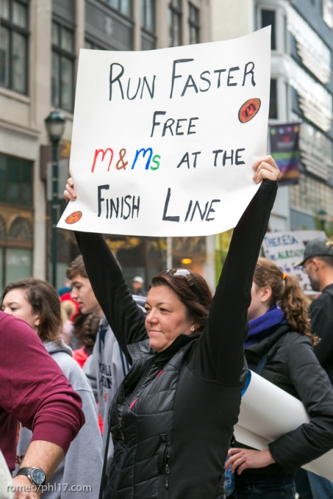 Philly-Marathon-Sign-Photos-13