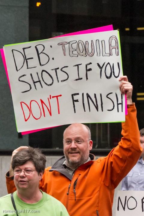 Philly-Marathon-Sign-Photos-23