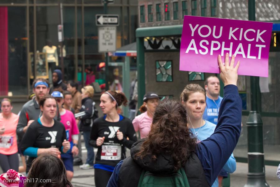 Philly-Marathon-Sign-Photos-27