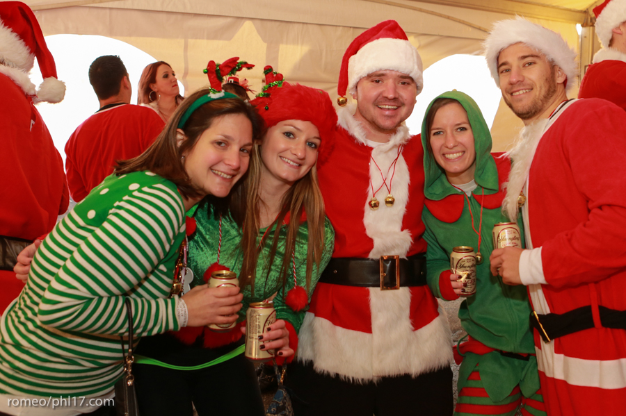 2013-Running-of-Santas-Philly-Photos-18