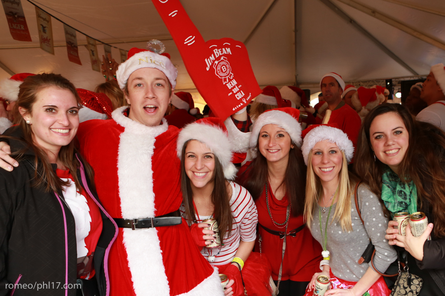2013-Running-of-Santas-Philly-Photos-24