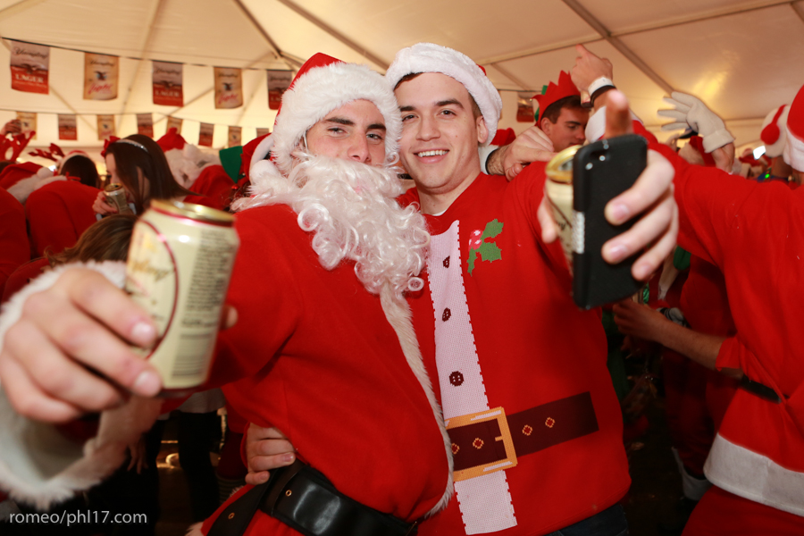 2013-Running-of-Santas-Philly-Photos-26