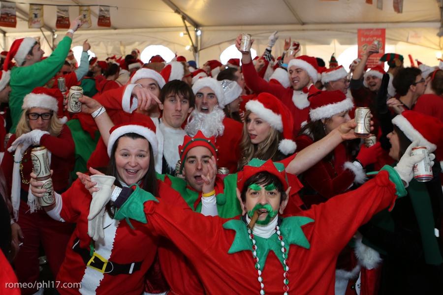 2013-Running-of-Santas-Philly-Photos-27