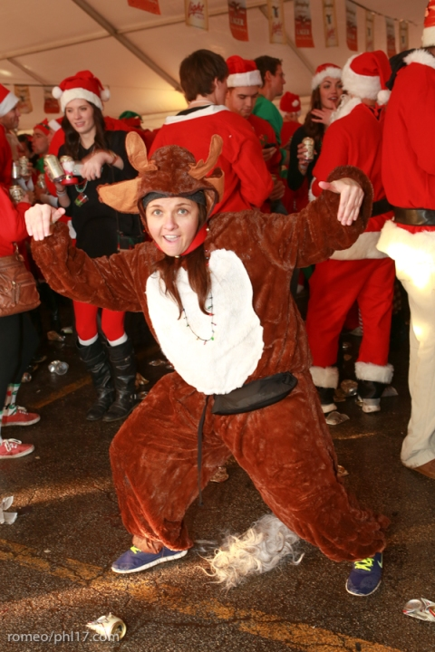 2013-Running-of-Santas-Philly-Photos-29