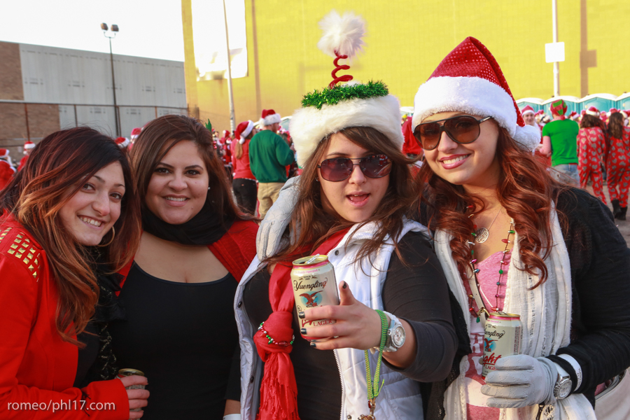 2013-Running-of-Santas-Philly-Photos-32