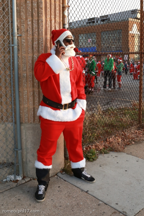 2013-Running-of-Santas-Philly-Photos-34