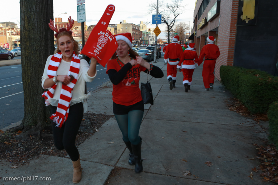 2013-Running-of-Santas-Philly-Photos-36