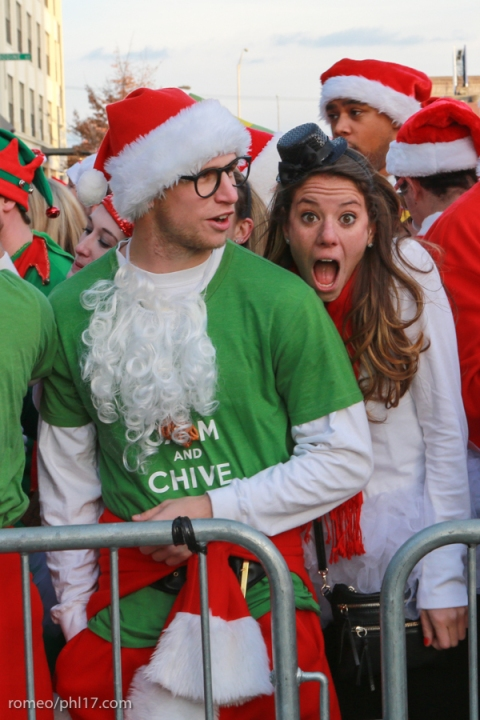 2013-Running-of-Santas-Philly-Photos-38
