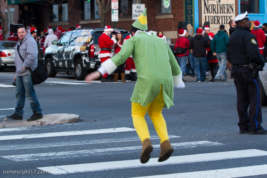 2013-Running-of-Santas-Philly-Photos-42