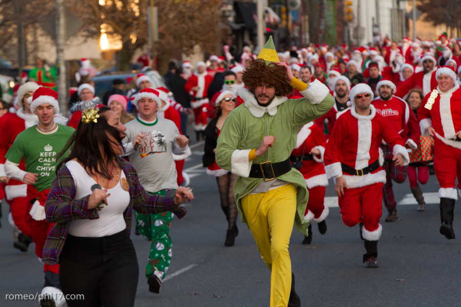 2013-Running-of-Santas-Philly-Photos-45