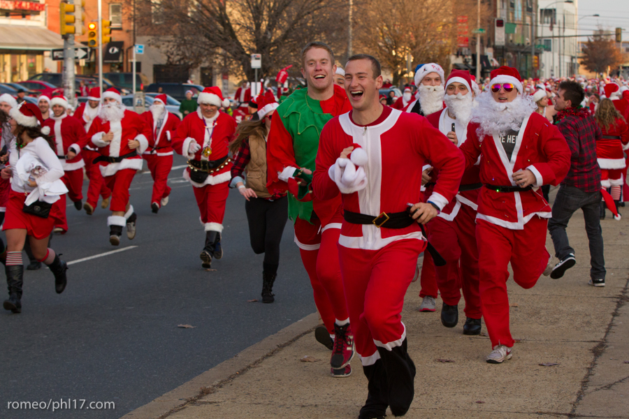 2013-Running-of-Santas-Philly-Photos-48