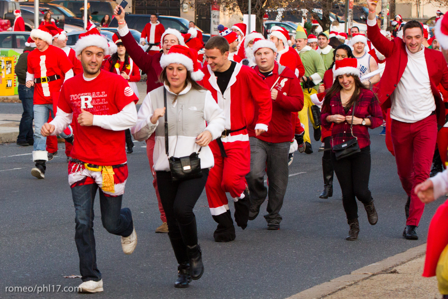 2013-Running-of-Santas-Philly-Photos-49