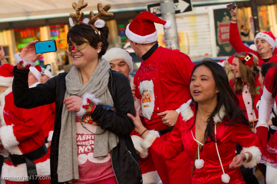 2013-Running-of-Santas-Philly-Photos-52