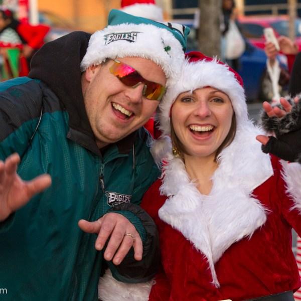 2013-Running-of-Santas-Philly-Photos-56