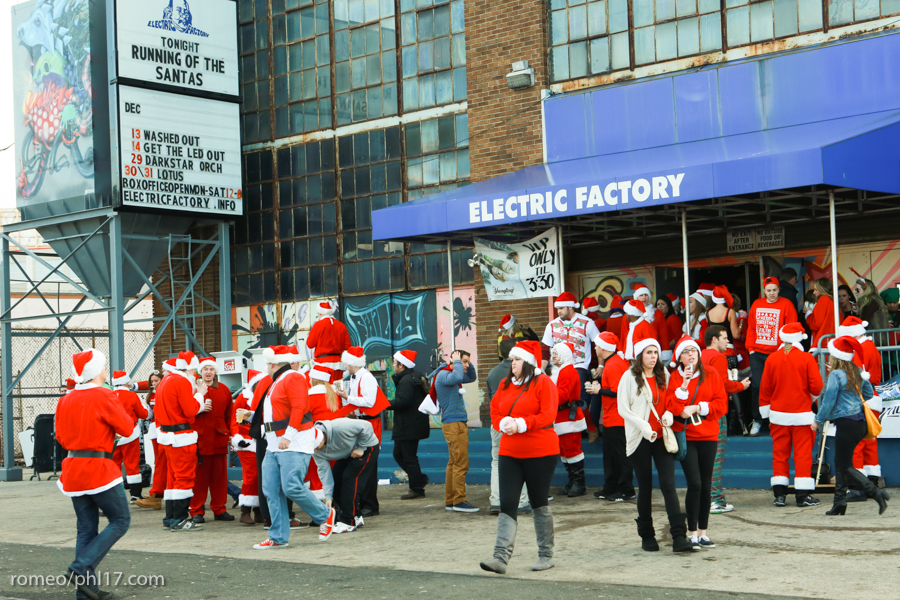 2013-Running-of-Santas-Philly-Photos-8