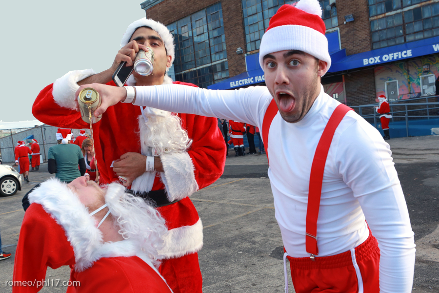 2013-Running-of-Santas-Philly-Photos-9