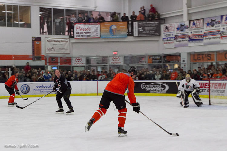 Flyers Alumni Practice-30164132