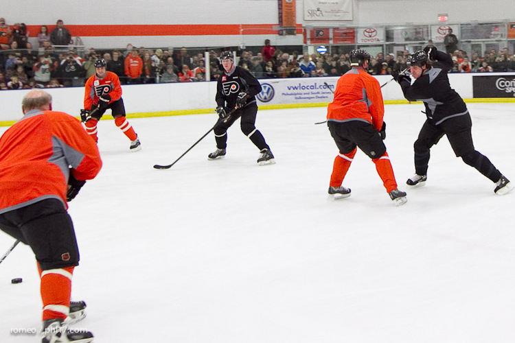 Flyers Alumni Practice-30164138
