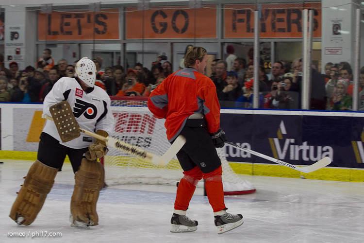 Flyers Alumni Practice-30164503