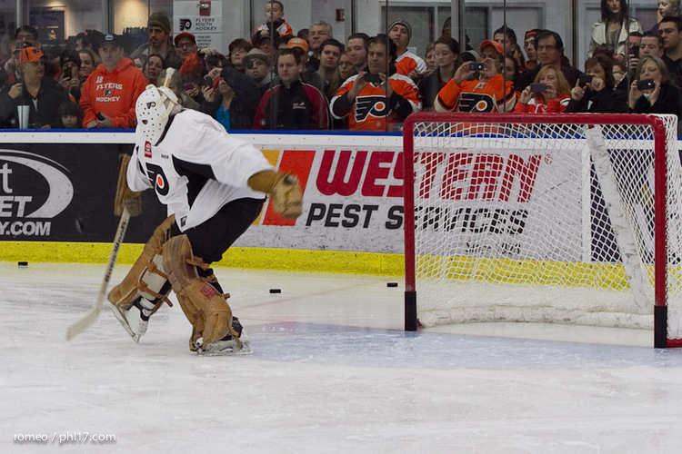 Flyers Alumni Practice-30164516
