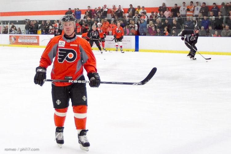Flyers Alumni Practice-30164528