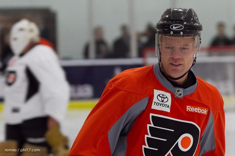 Flyers Alumni Practice-30165031
