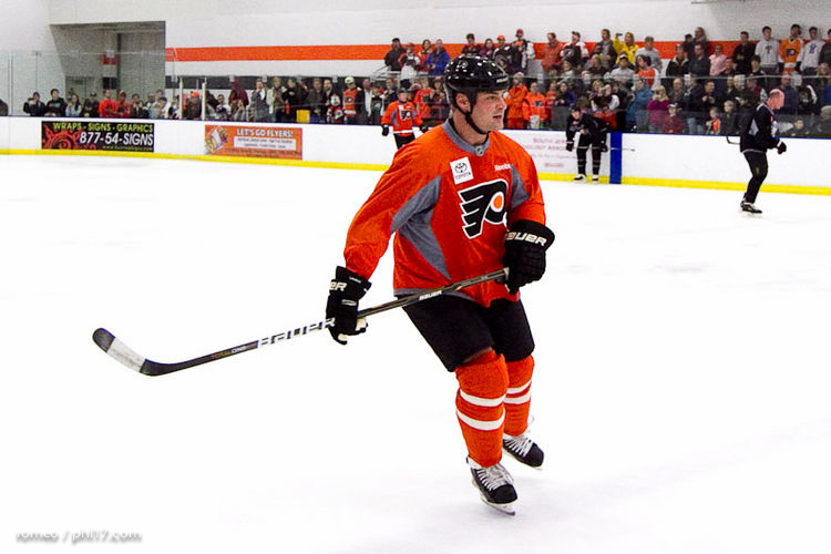 Flyers Alumni Practice-30191129