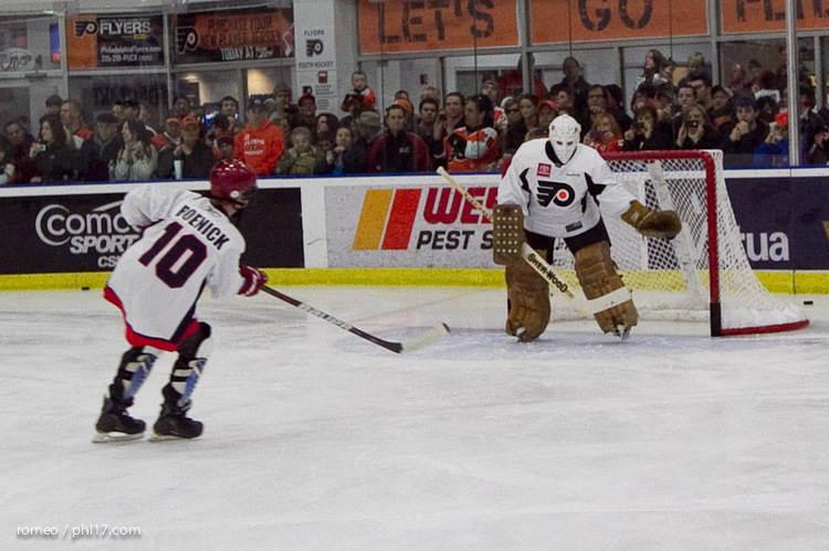 Flyers Alumni Practice-30191144