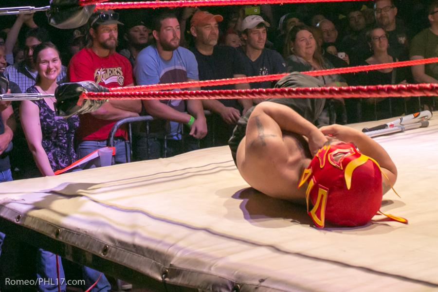 Extreme-Midget-Wrestling-Philadelphia-13