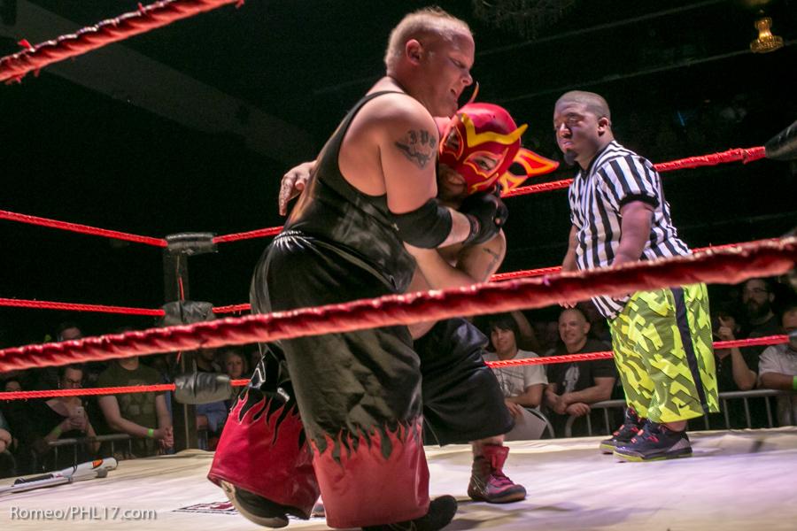 Extreme-Midget-Wrestling-Philadelphia-16