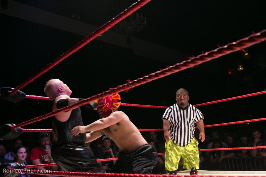 Extreme-Midget-Wrestling-Philadelphia-23